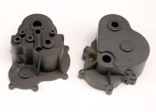 Gearbox halves (f&r)/ rubber access plug